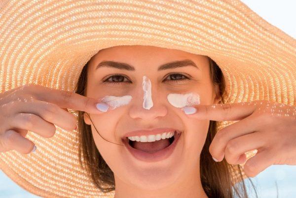 Come proteggere la pelle dal sole: come fare e da dove partire